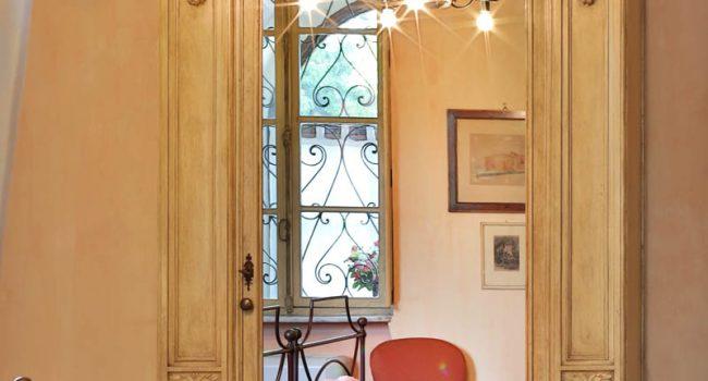 Camera luxury Ortensie i Castagnoni armadi
