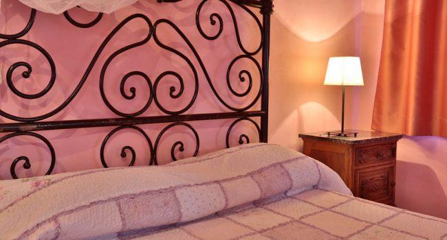 lilla camera resort castagnoni testata letto